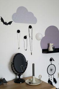 Limmaland, IKEA, Wandgestaltung, Wand, Wolken, Kleben, Grau, bunt, Idee, Kreativ, Design, Gestaltung, Interiordesign, Innenarchitektur, modern, schwarz weiß, Schlafzimmer, Perlen, Regen,