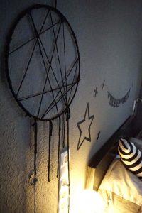 Traumfänger, dream catcher , DIY, Do it yourself, basteln, kreativ, Idee, Schlafzimmer, Schlaf, Bett Traum, Interior Design, Innenarchitektur, Schwarz, bunt, Ethno, Boho, trend